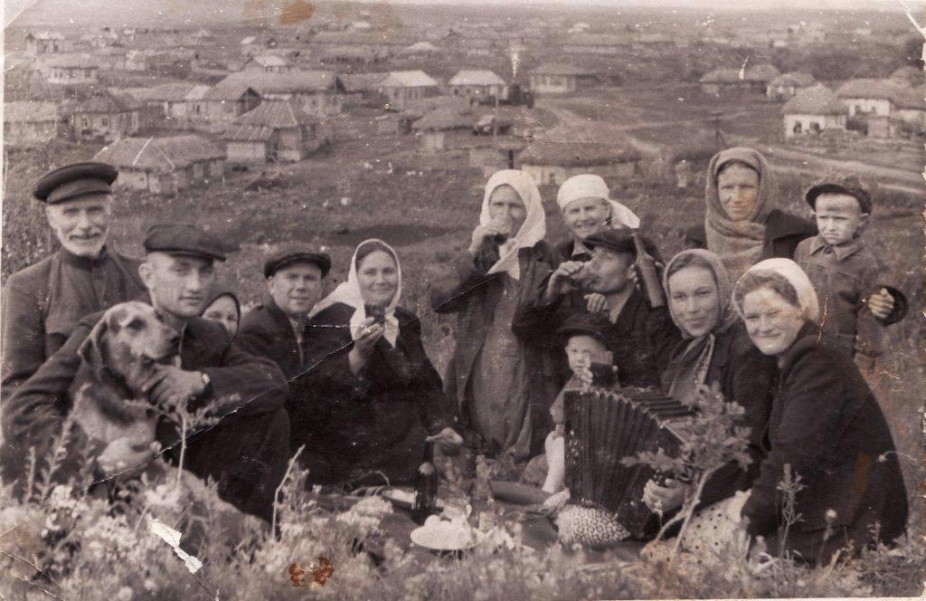 50-е годы. Вид с горы Лбинка на ул. Химия (ныне Заречная)
